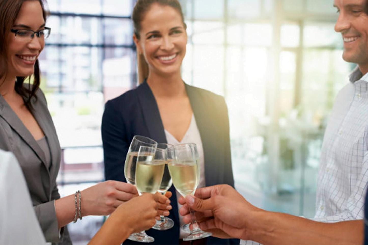 Aprenda agora como organizar uma festa de confraternização de empresa