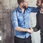 Veja como criar um bom relacionamento no trabalho por meio de 7 dicas
